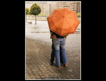 steve-ficken-03-snog-in-the-rain